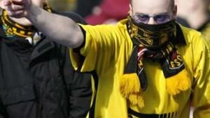 Außer Kontrolle: Hooligans im Osten