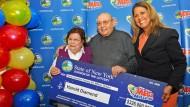 80 Jahre alter Mann gewinnt knapp 300 Millionen Euro