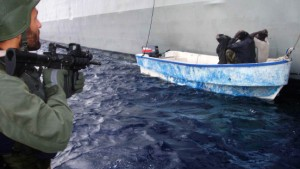 "Uhl: ""Piratenboote notfalls versenken"""