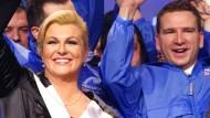 Grabar Kitarovic erste Frau im Präsidentenamt
