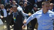 Steinwürfe auf Serbiens Regierungschef