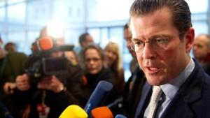 CDU und CSU streiten über Guttenbergs Sparziele