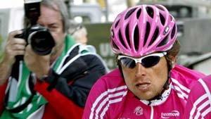 Valverde siegt, Ullrich fährt hinterher