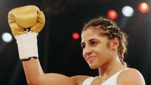 Susi Kentikians Sekundensieg gegen unwürdige Gegnerin