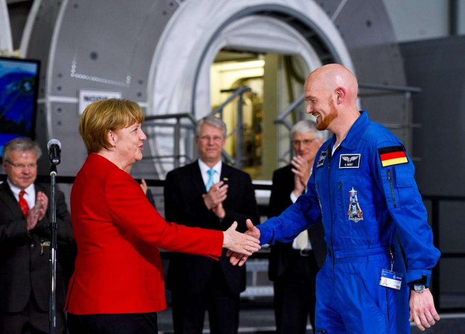 """Schon lange ist Astro-Alex nicht mehr """"nur"""" Astronaut. Er ist auch Repräsentant."""