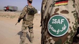 Deutsche Soldaten töten Aufständische