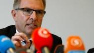 Lufthansa-Chef: Kopilot hatte Ausbildung unterbrochen