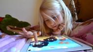 Tablets als Babysitter spalten die Gemüter