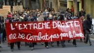 Hunderte marschieren in Marseille gegen Le Pen