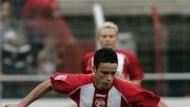 Enge Ballführung: der Offenbacher Oliveira dos Santos
