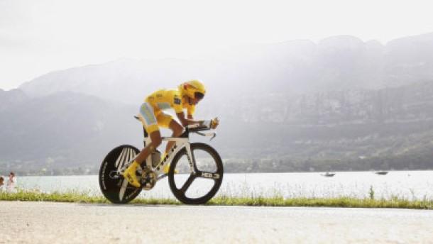 Ein Schutzschirm über Contador