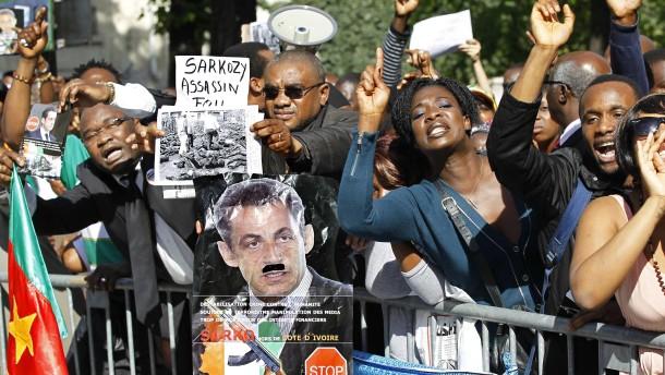 Protest für Gbabo und gegen Sarkozy in Paris