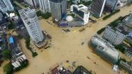 Taifun Megi hinterlässt Spuren der Verwüstung