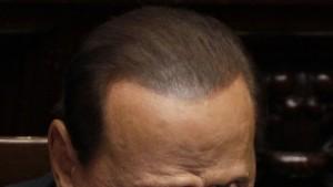 Berlusconi gewinnt Vertrauen und verliert Mehrheit