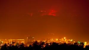 Buschfeuer, Plutonium und sehr viel Dynamit