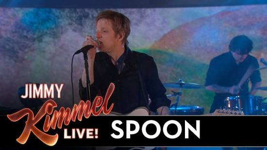 """Spoon spielen ihre Single """"Hot Thoughts"""""""
