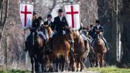Osterfeier auf dem Pferd