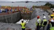 Erweiterter Panamakanal wird teilweise geflutet