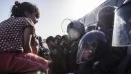 Kroatien riegelt Straßen an serbischer Grenze ab