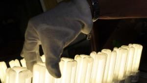 Energiesparlampe in schlechtem Licht