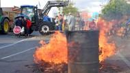 Bauern demonstrieren an Grenze zu Deutschland
