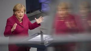 Merkel droht mit Ausschluss aus der Euro-Zone