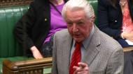 Britischer Politiker beleidigt Cameron und fliegt aus dem Parlament