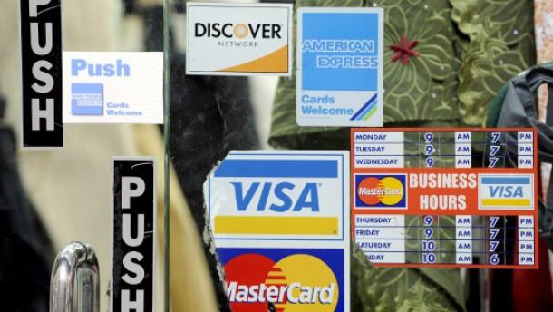 Alle deutschen Banken tauschen Kreditkarten um