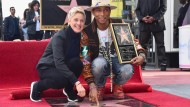 Pharrell Williams mit Stern verewigt