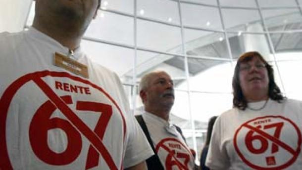 Bundestag Rente 67 Letzte Demos: IG-Metall-Vertreter im Bundestag