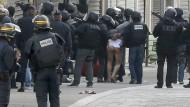 Polizeieinsatz in Saint-Denis endet blutig