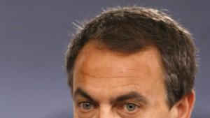 Spanien kürzt Gehälter von Ministern und Beamten
