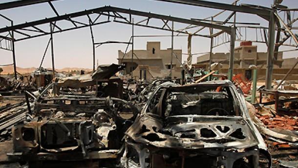 Nato bombardiert Gaddafis Geburtsstadt Sirte