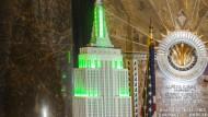 Beckenbauer und Pele lassen Empire State Building grün leuchten