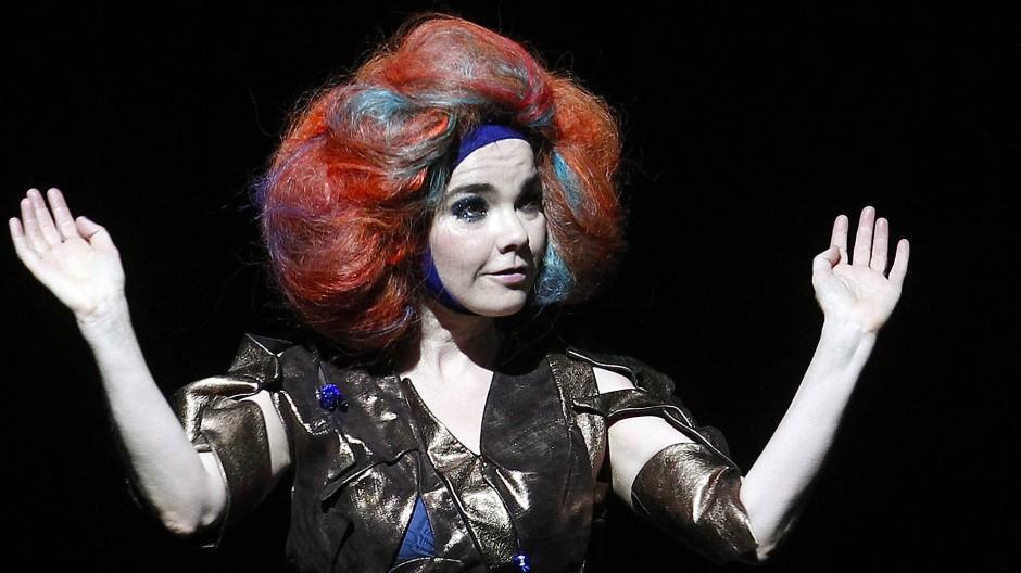 Mit Virtual Reality in Björks Welt eintauchen