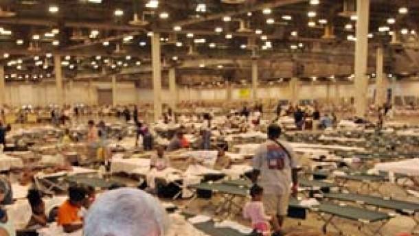 Kreuzfahrtschiffe als Flüchtlingslager