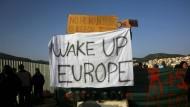 Erste Flüchtlinge von Griechenland in Türkei abgeschoben