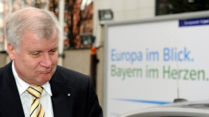 Seehofer lenkt ein und sieht Steinbrück als Schuldigen