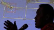 Trümmer der abgestürzten Air-Asia-Maschine gefunden