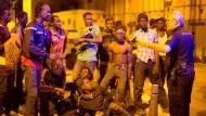 Zahlreiche Flüchtlinge verletzen sich am Grenzzaun