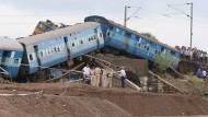 Über 20 Tote bei Zugunglücken in Indien