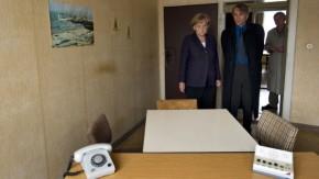 Merkel besichtigt Stasi-Gefängnis