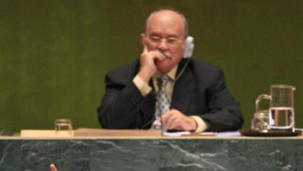 Präsident Zelaya will auf Referendum verzichten