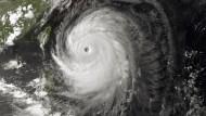 500.000 Menschen fliehen vor Taifun Neoguri