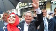 Gauck trifft Opfer des Nagelbombenanschlags