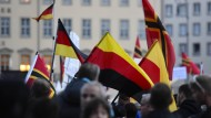 Tausende Pegida-Anhänger demonstrieren in Dresden