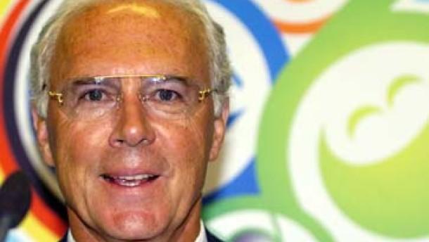 """""""Geschrei von allen Seiten"""": Beckenbauer stützt Klinsmann"""