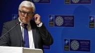 Steinmeier: Moskau billigt wohl Mittelmeer-Einsatz gegen Schlepper
