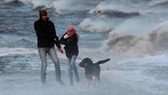 Sturm wütet über Deutschland