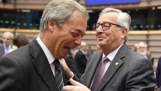 Schlagabtausch zwischen Farage und Juncker